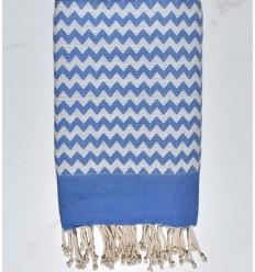 Toalla de playa zigzag azul