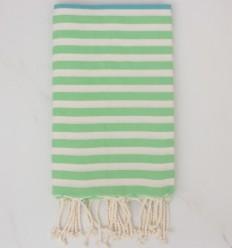 Toalla de playa Salto azul, prado verde y blanco cremoso