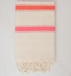 Fouta arabesco crema blanca, coral naranja y rosa