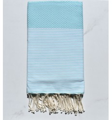 Toalla de playa agua azul clara con rayas