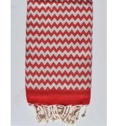 Toalla de playa de zigzag roja y blanco cremoso