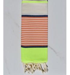 Toalla de playa plana infantil fluo, jean azul, naranja y blanco roto.