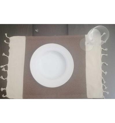Mini toalla blanca crema y marrón